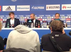 In der Mitte: Schalkes neuer Trainer Roberto Di Matteo (Foto: twitter.com/AndiErnst)