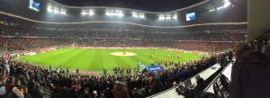 Allianz-Arena. Minus acht Grad. Bayern. Schalke. (Foto: twitter.com/AndiErnst)