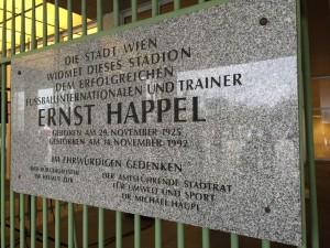 Mein erstes Mal im Ernst-Happel-Stadion in Wien! (Foto: twitter.com/AndiErnst)