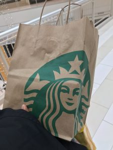 Shoppen Teil 3: Starbucks.