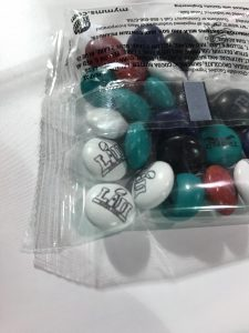 M&Ms in der Super-Bowl-Version.