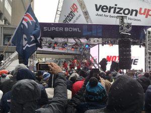 Die Patriots-Cheerleader bis minus 7 Grad...